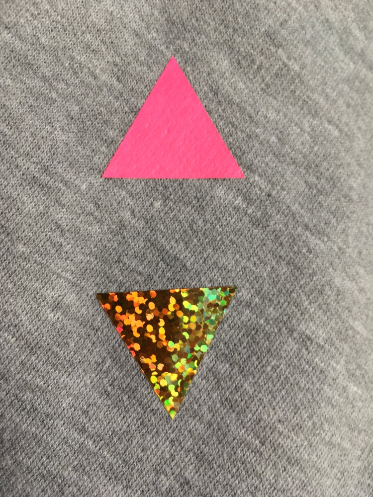 Image of T-Shirts Triangles for Adults/ V neck