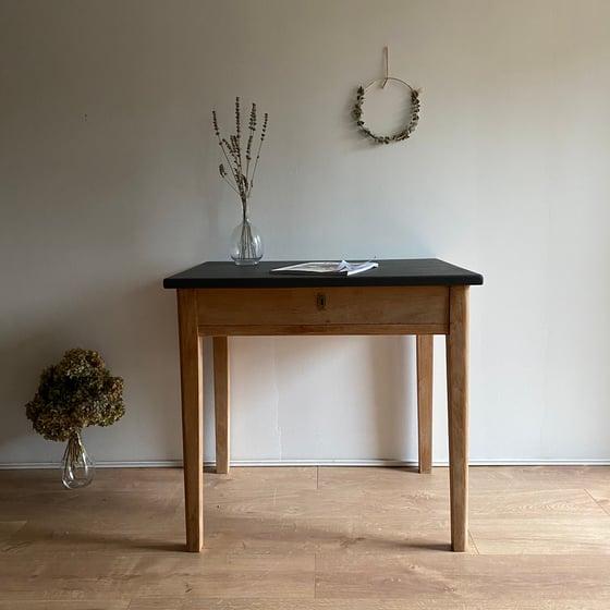 Image of Bureau/Table #205