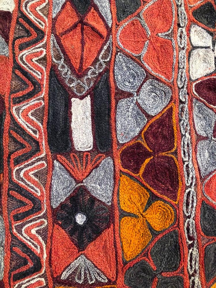 Image of Tapis brodé