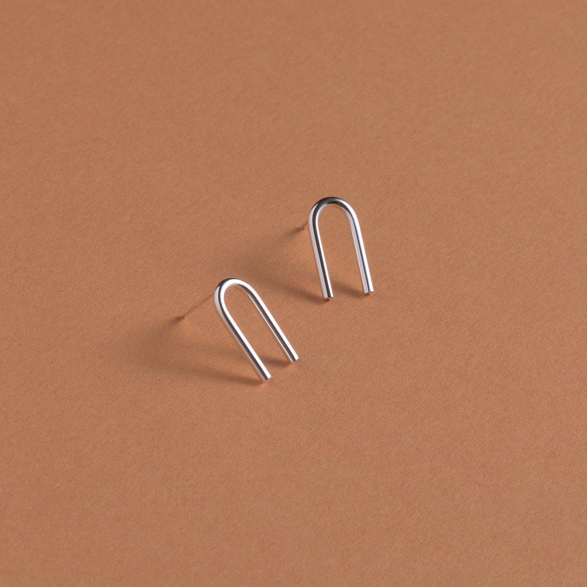 Image of UPSILON/STUD EARRINGS
