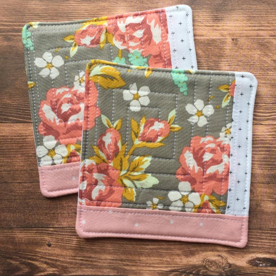 "Image of ""Lovely Floral"" Grey Scrappy Quilted Coaster"