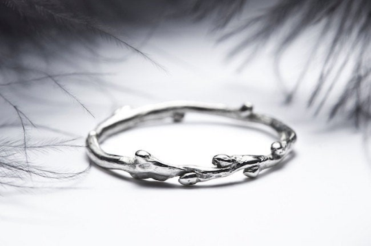 Image of WHITE GOLD TWIG RING