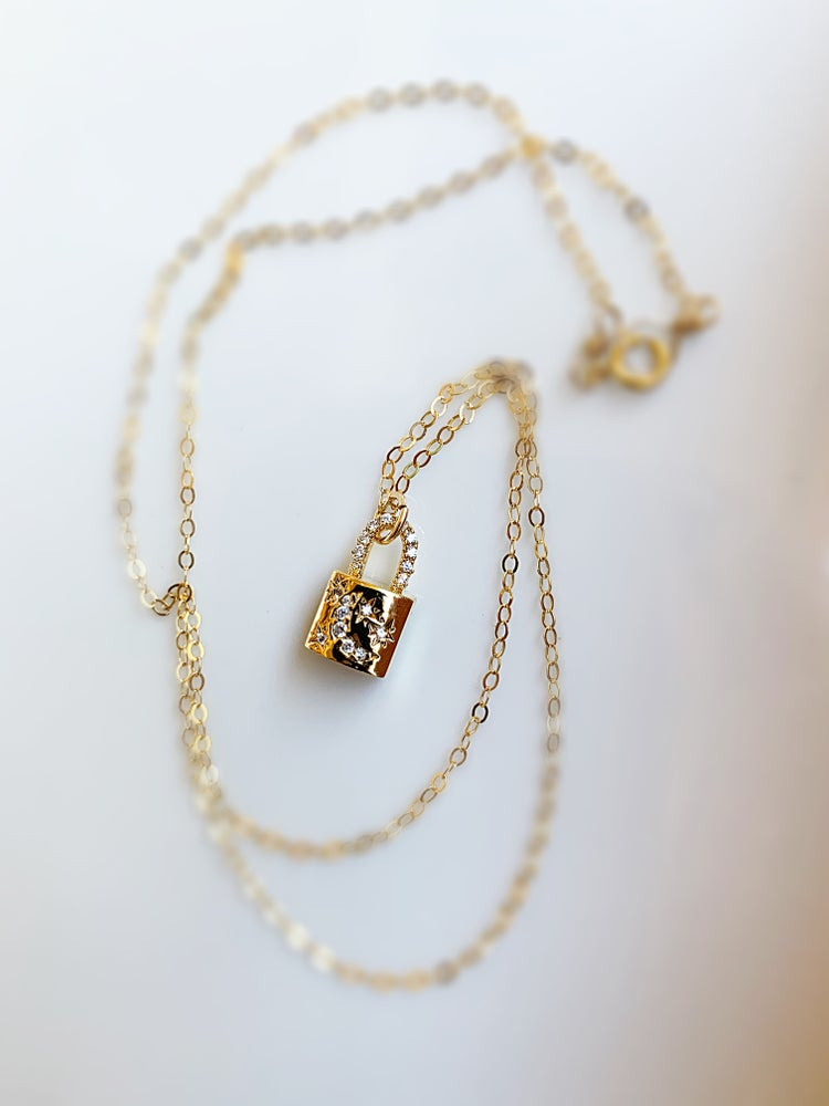 Image of Golden lock necklace