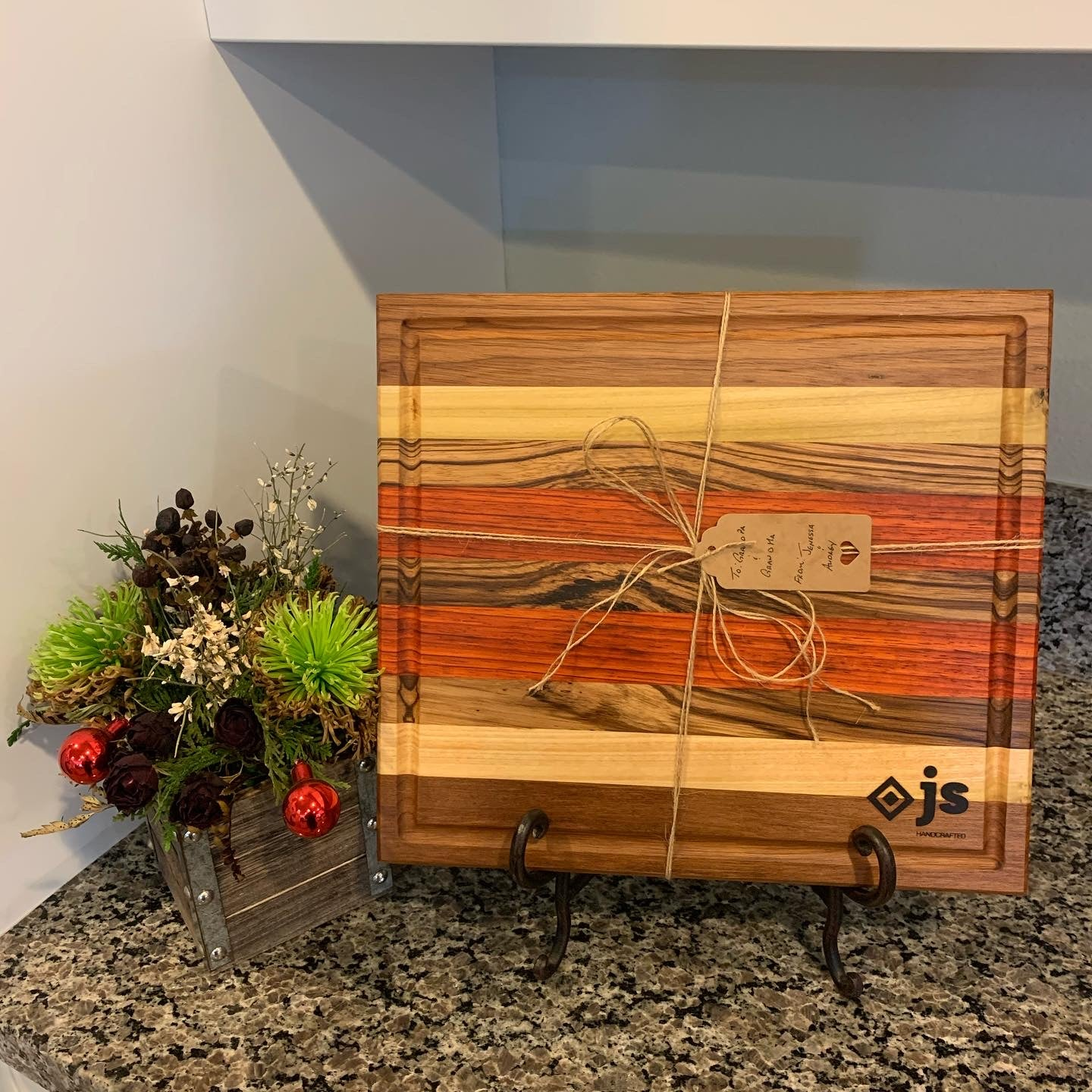 Image of Cutting Board with Juice Groove