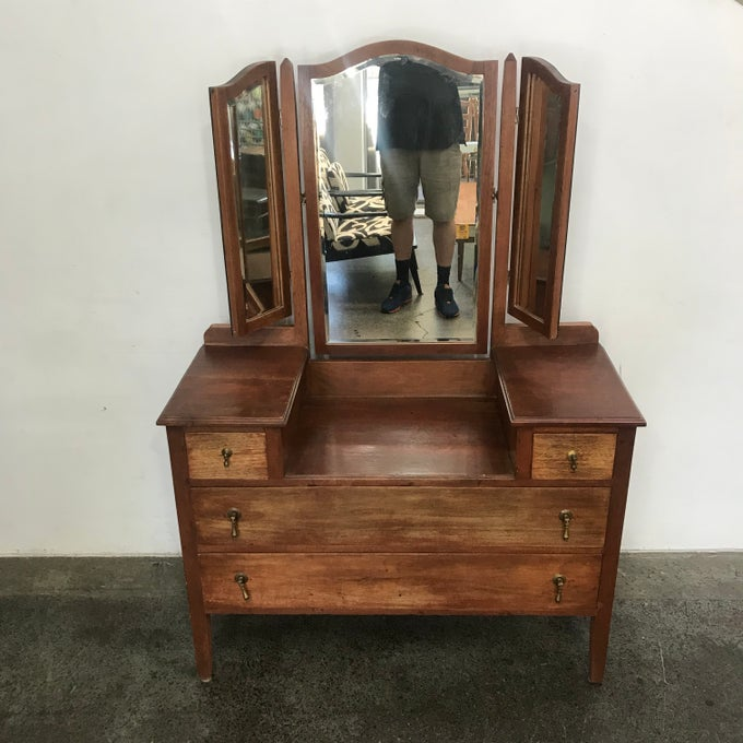 Image of 1930s DRESSING TABLE