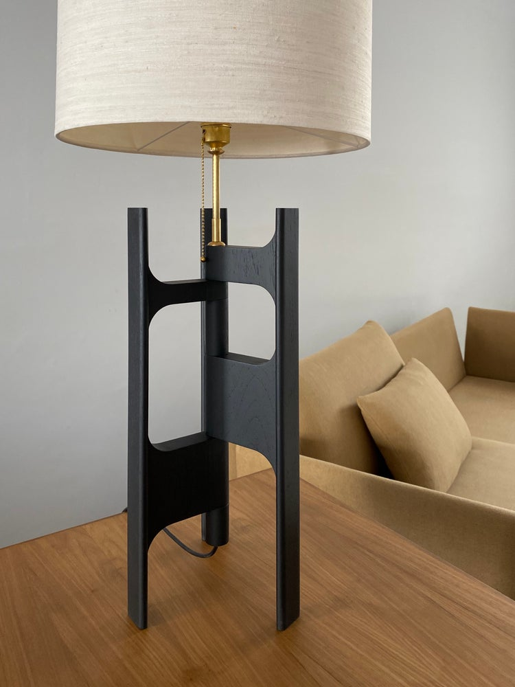 Image of table lamp X+L 03 (also in black)