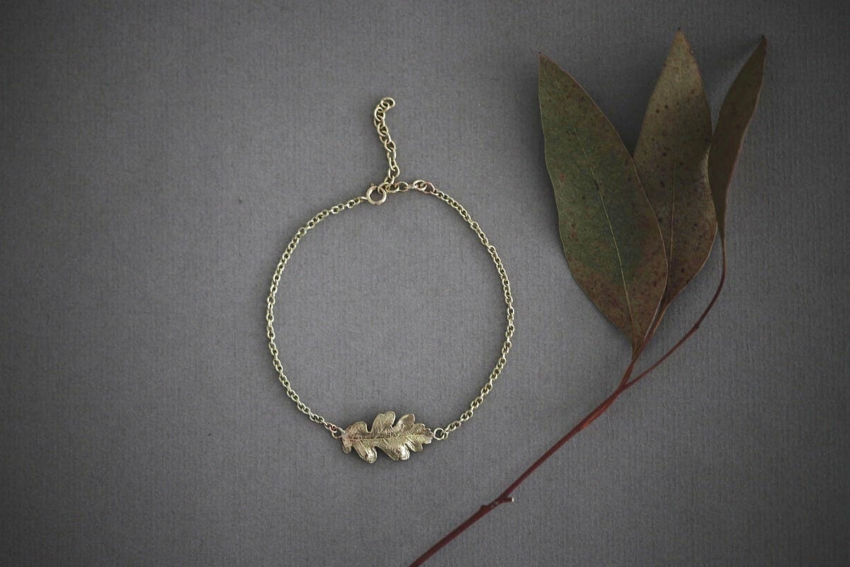 Image of oak leaf bracelet in 9ct gold or silver