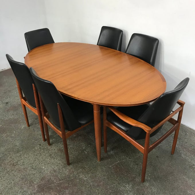 Image of BURGESS TABLE & 6 CHAIRS