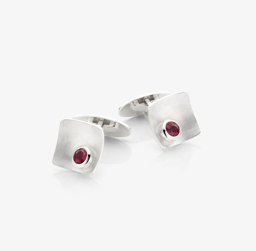Image of cufflinks 'ruby' in sterling silver with rubies - manchetknopen met robijn in zilver