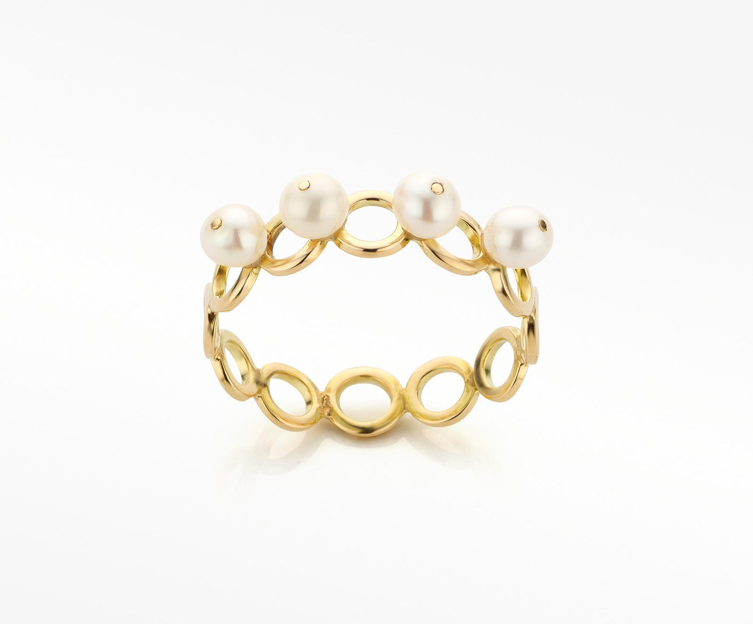 Image of 'Pearl' ring in gold and white pearls - ring in goud en parels