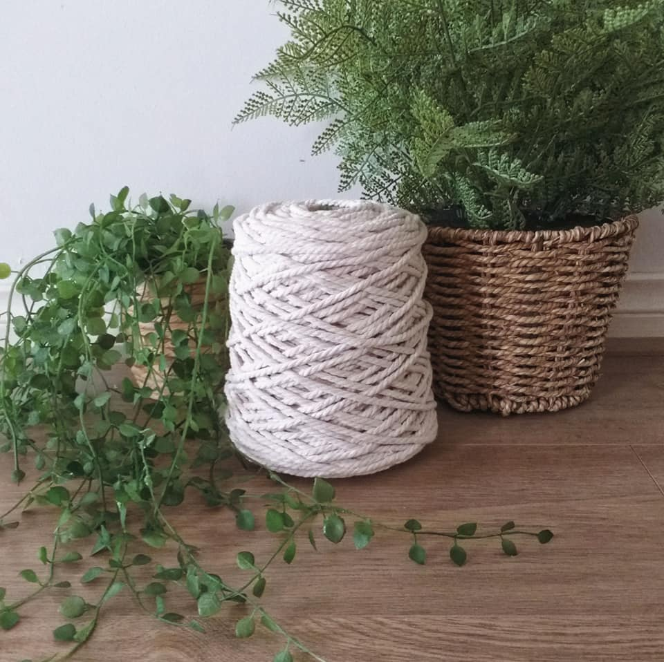 Image of 1kg Natural 3ply Rope