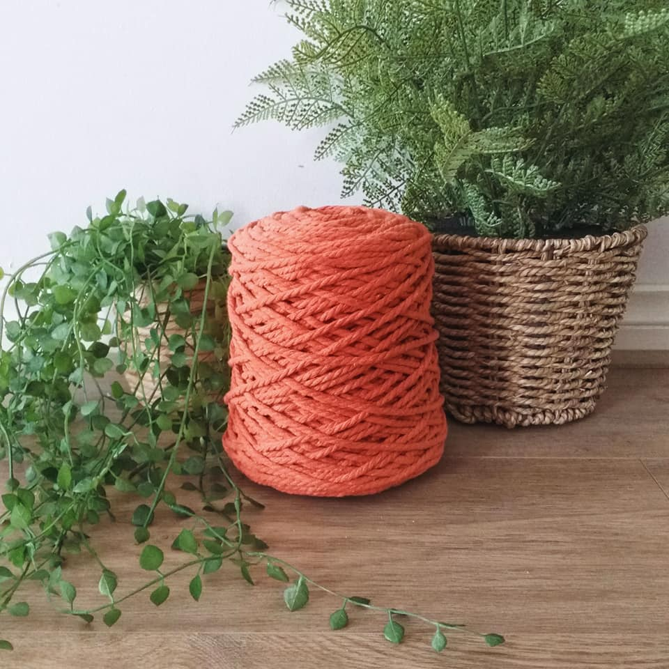 Image of 1kg Tangerine 3ply Rope