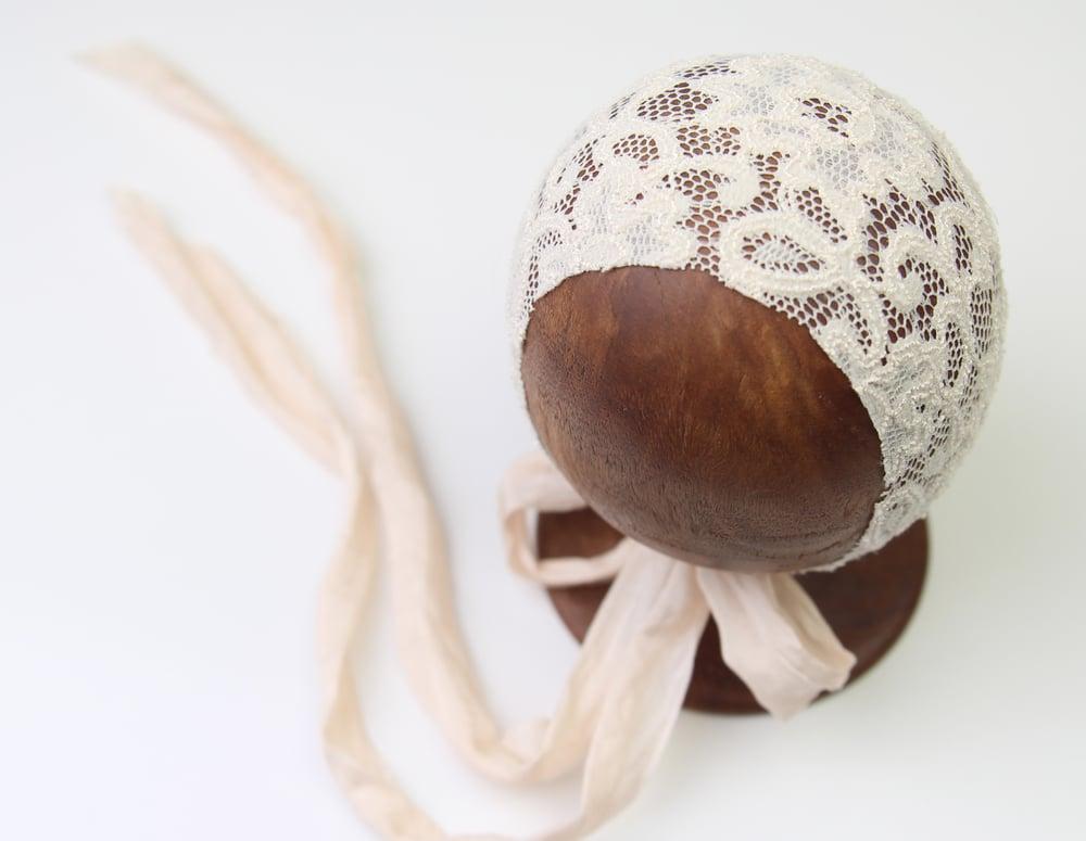 Image of Newborn Bonnet - J