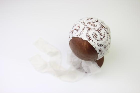 Image of Newborn Bonnet - Q