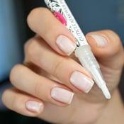 Image of Glisten & Glow Cuticle Remover Pen