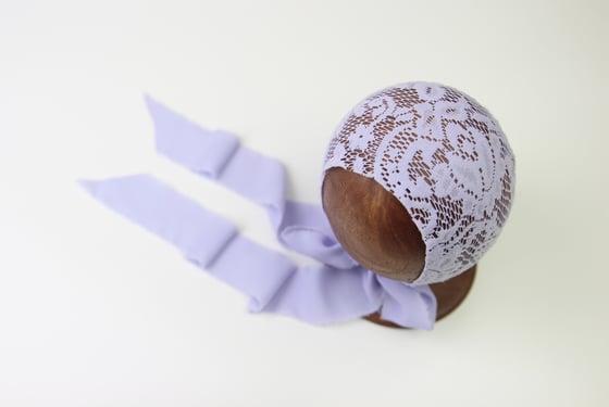 Image of Newborn Bonnet - V
