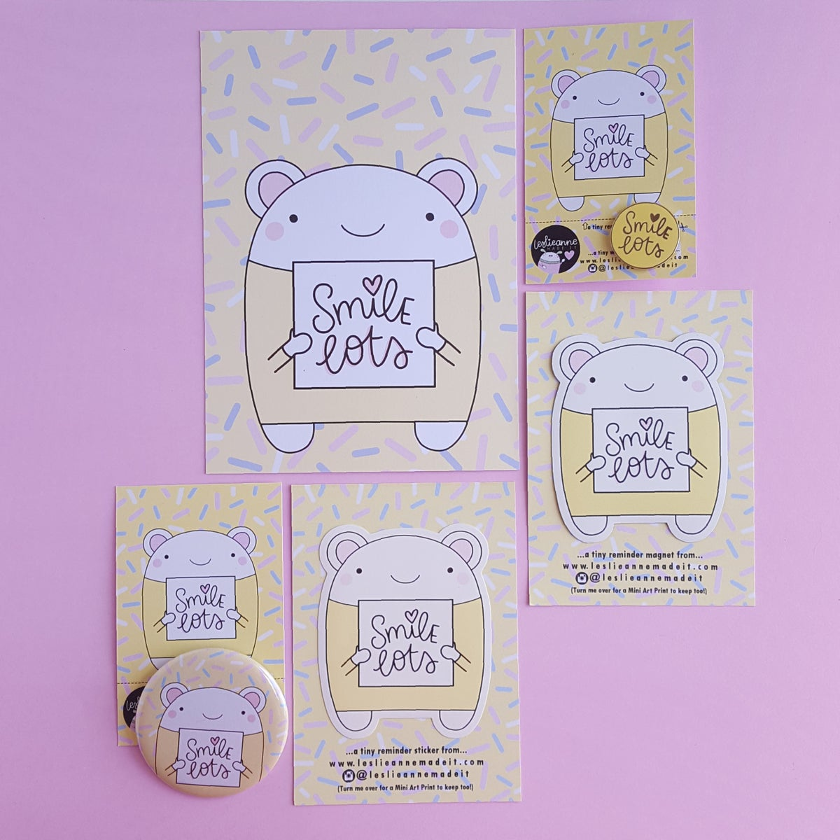 Smile Lots : Yellow Button Badge