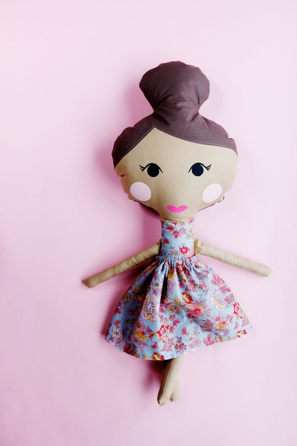 Image of the DOLL SEWING PATTERN pdf