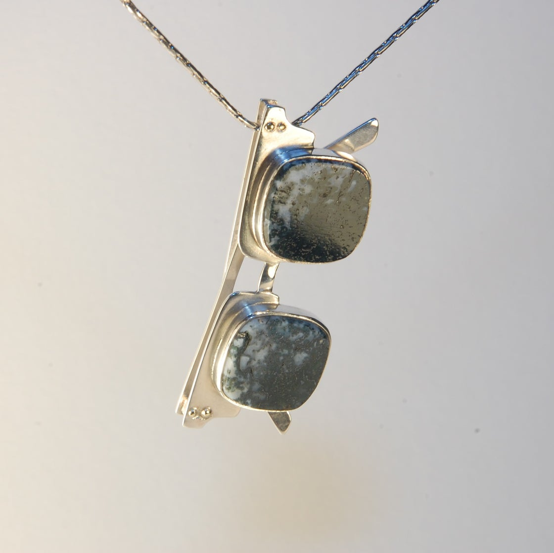 Image of Moss Agate Large Sunglasses Pendant