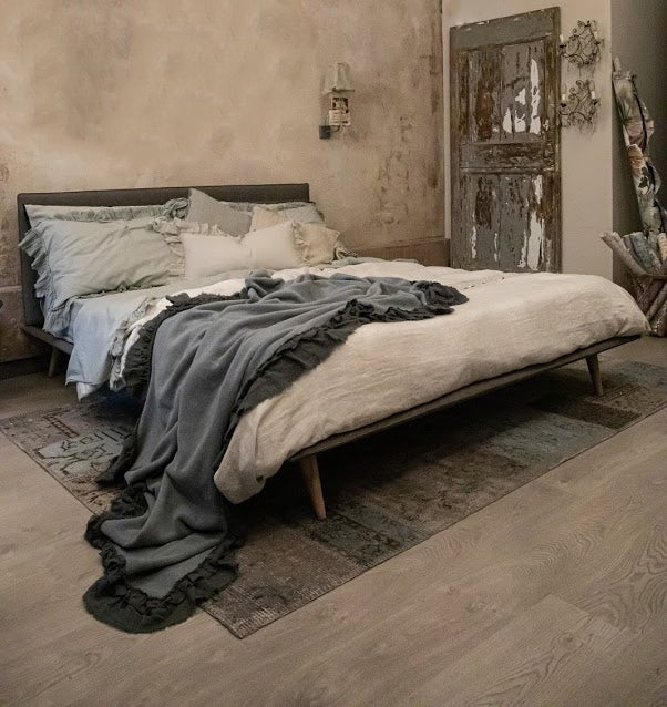 Image of Letto in ecopelle vintage grigio