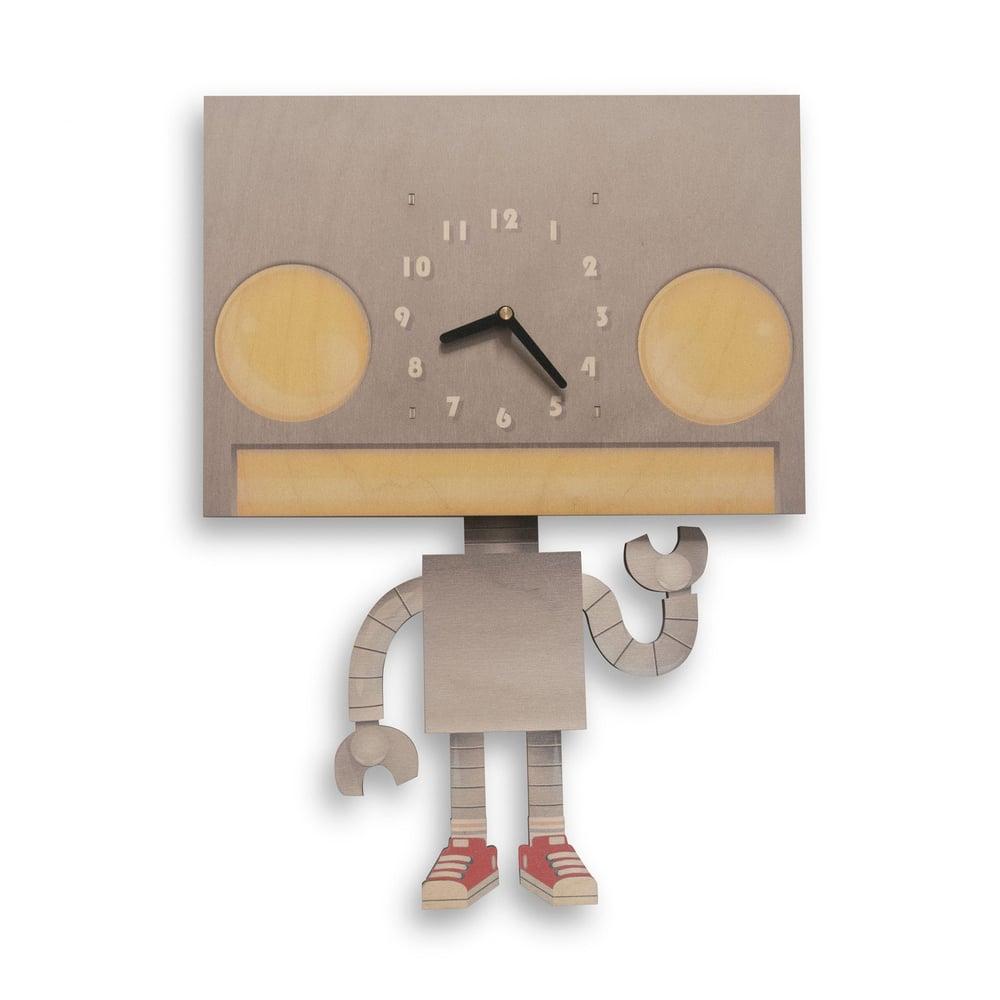 Image of Robot Pendulum Clock