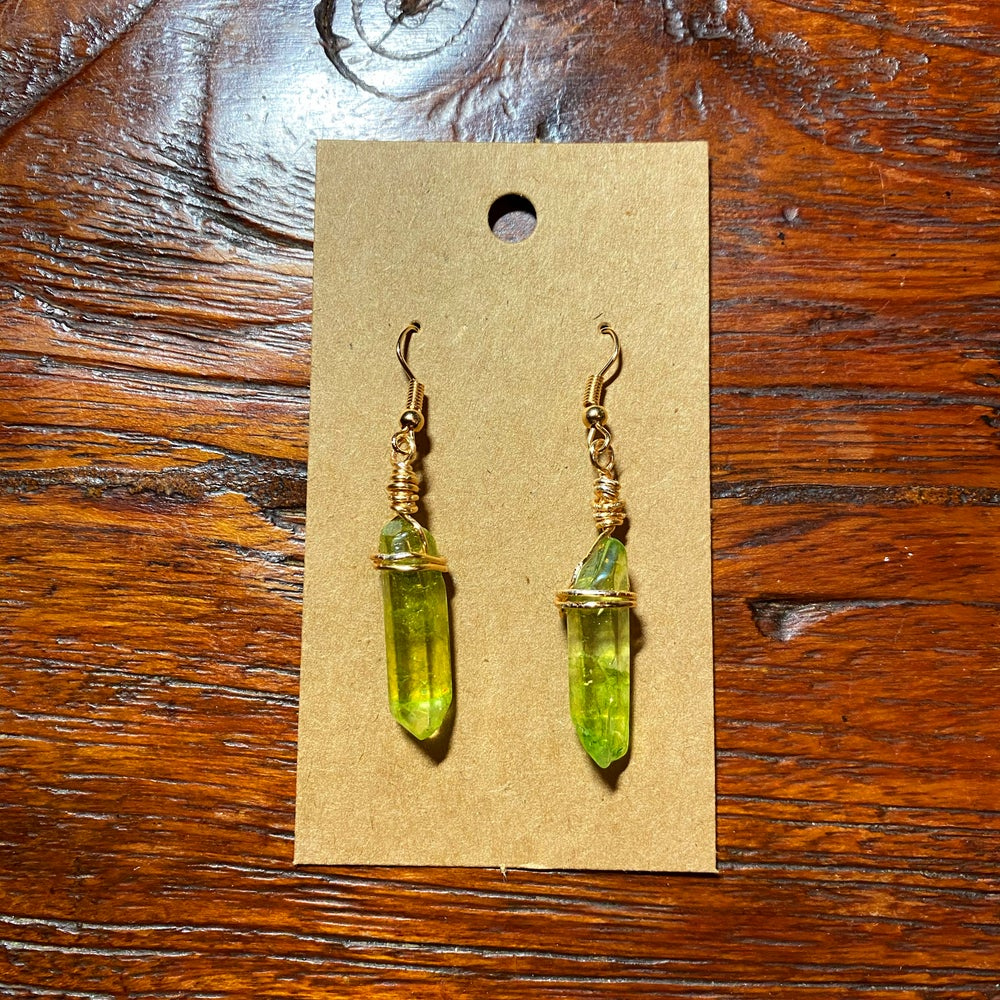 Jedi Rogue Kyber Earrings in Green