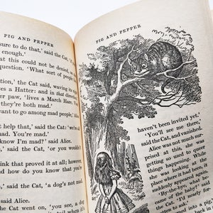 Lewis Carroll - Alice's Adventures in Wonderland & Through the Looking Glass