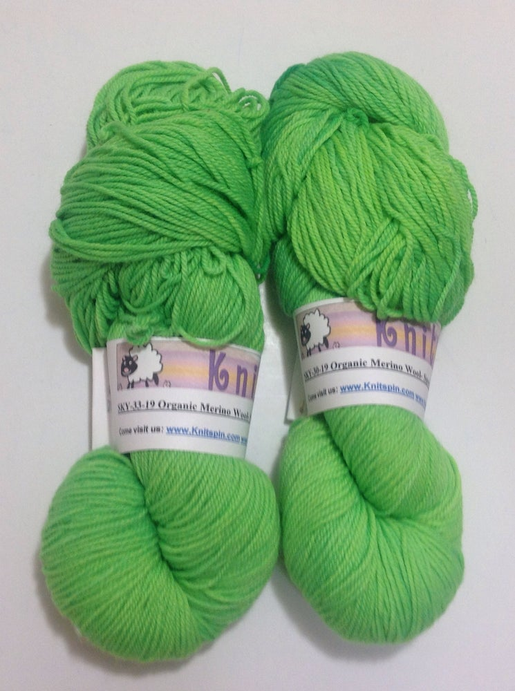 Image of Hand Dyed Yarn - Merino Wool Yarn - 280 Yards - Chartreuse Green  - Solid Color