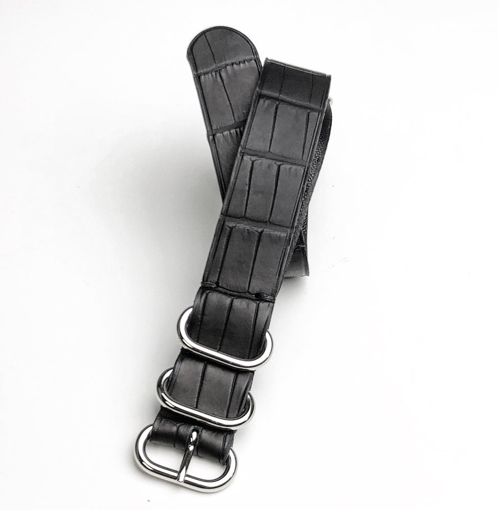 "Image of ""Rubber"" Waterproof Alligator NATO strap"
