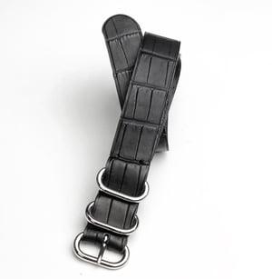 "Image of ""Rubber"" Alligator NATO strap - water resistant"