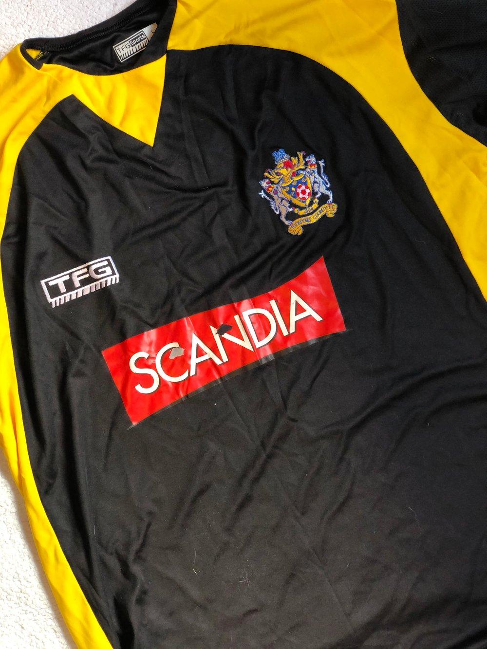 Image of Replica 2005/06 TFG Away Shirt