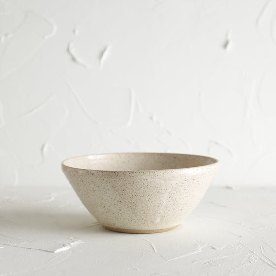 Image of Cream speckled bowl