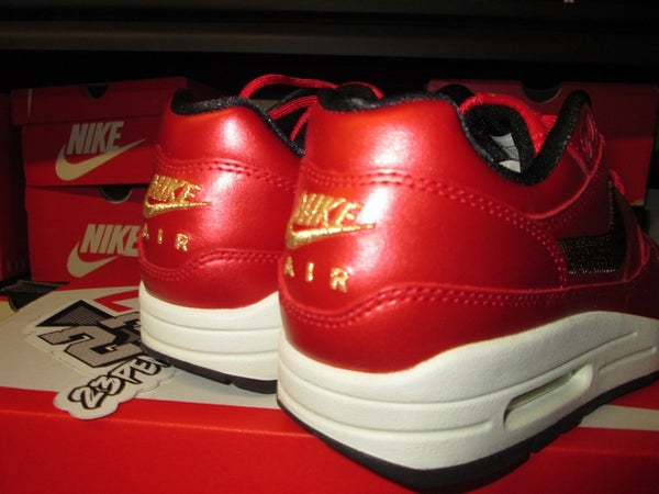 "Air Max 1 ""University Red/Metallic Gold"" WMNS - areaGS - KIDS SIZE ONLY"