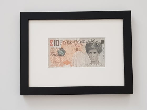 "Image of BANKSY ""DI FACED TENNER"" - FRAMED, COMPLETE WITH LETTER OF AUTHENTICITY FROM STEVE LAZARIDES"