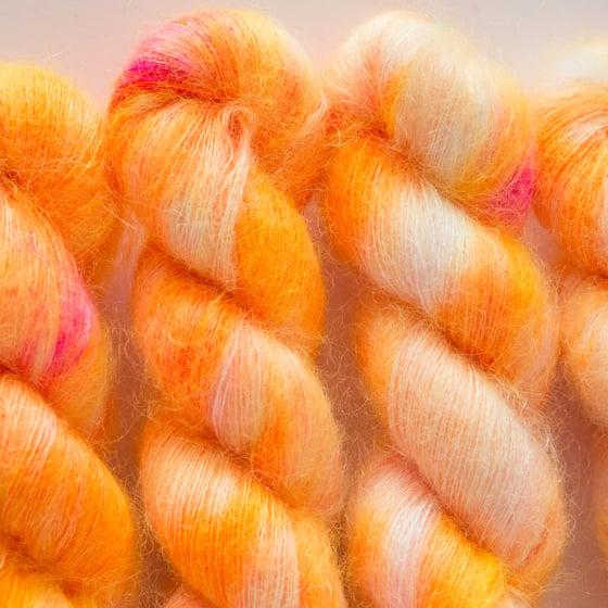 Image of Fluffy Lace - Mandarina