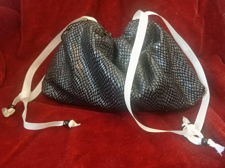 Image of Wyvern - Adventurer's Bag