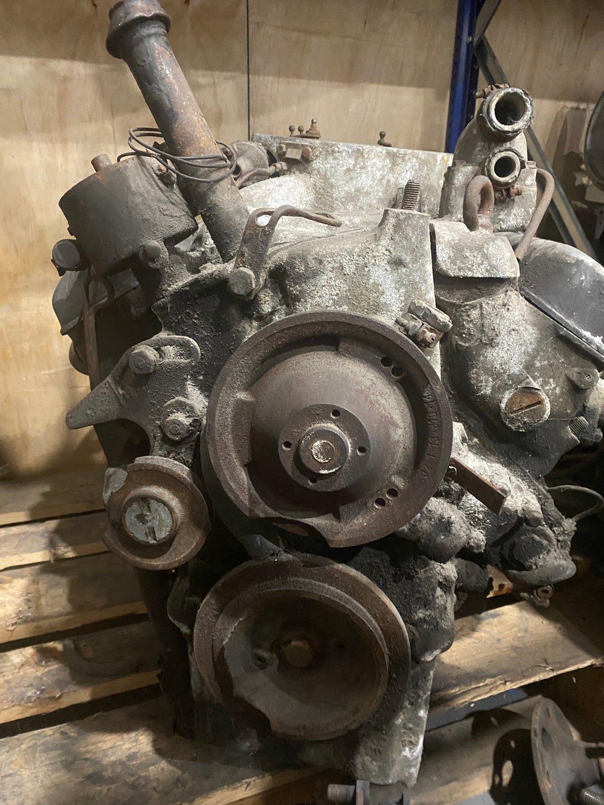 BMW 502 V8 ENGINE