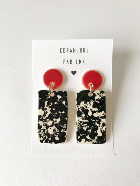 Image of Paire de boucles d'oreilles céramique TOTEM RECTANGLE GM rouge et marbré