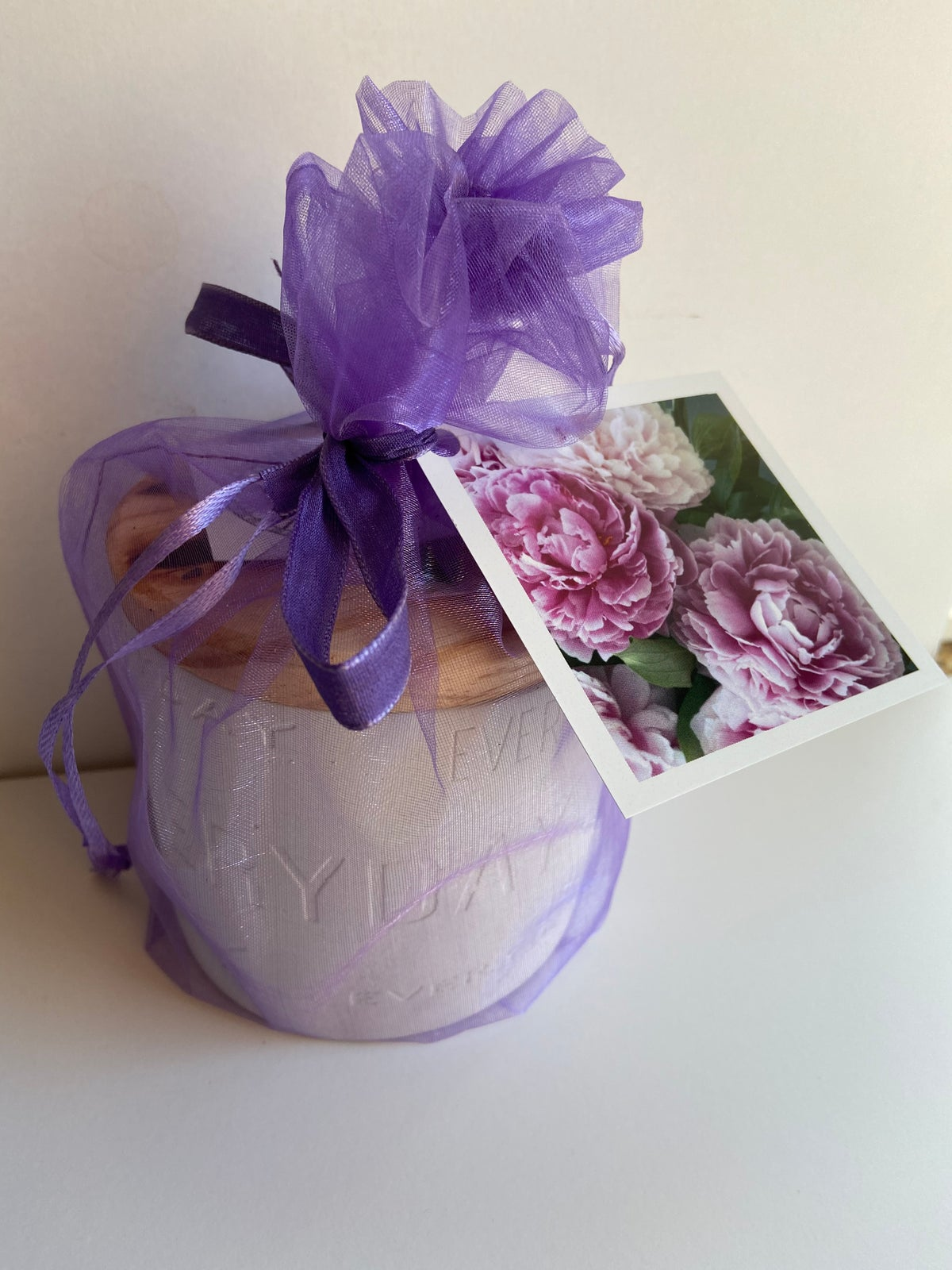 Image of Peony scented concrete candle