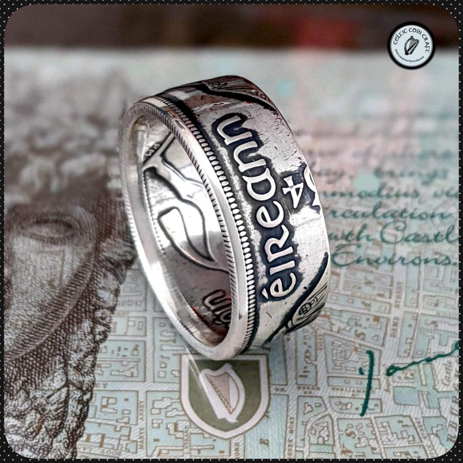Image of The Saorstát Éireann (Irish Free State) Half Crown Coin Ring