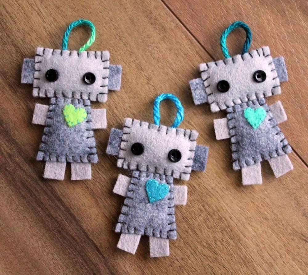 Image of Felt Robot DIY Kit