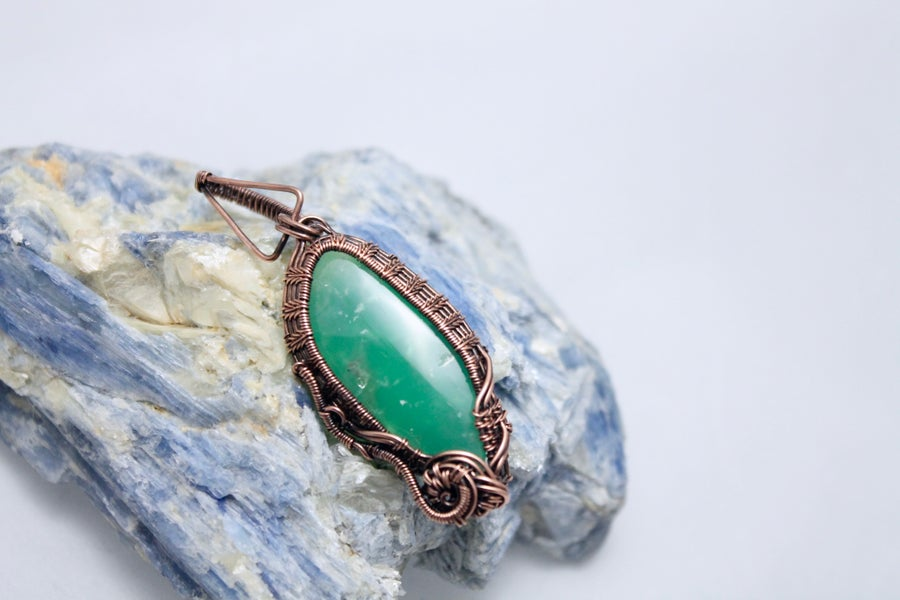 "Image of ""Mentos"" Large Chrysoprase Wire Wrapped Amulet Pendant in Copper Wire"