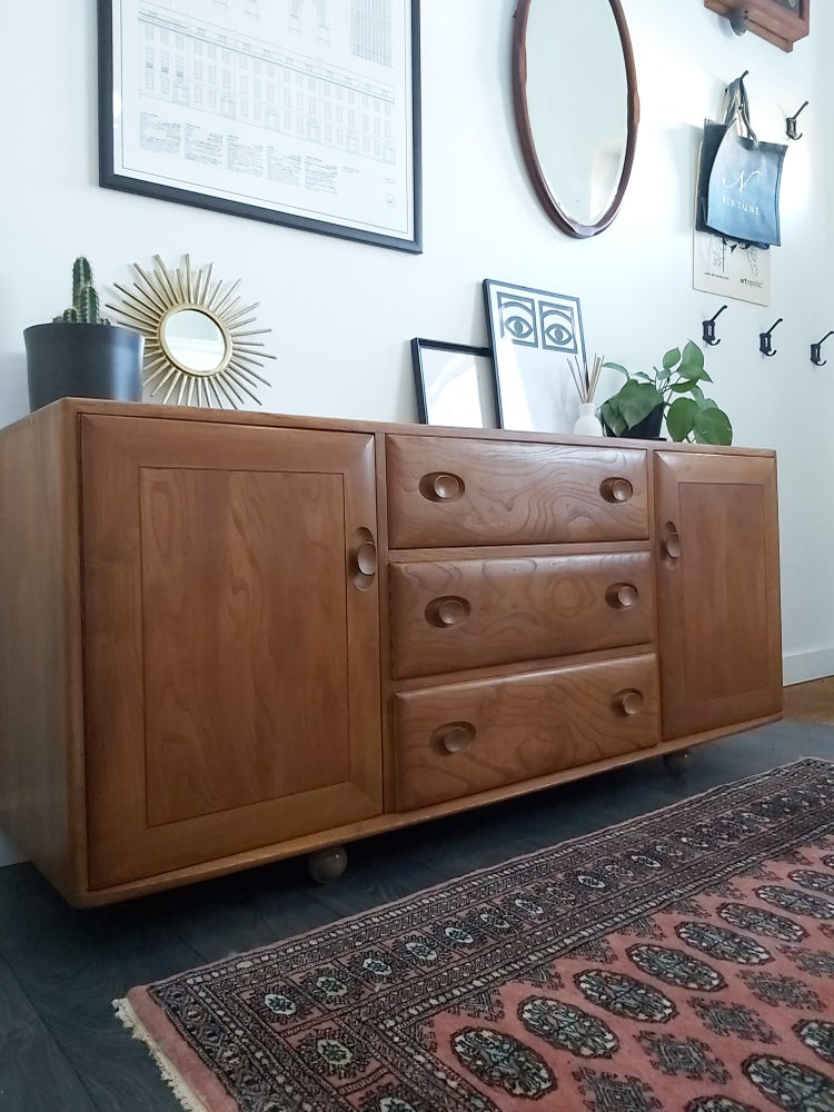 Image of ERCOL WINDSOR 455 SOLID ELM SIDEBOARD