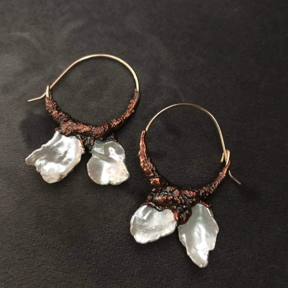 Image of LUMINOUS I ear hoops