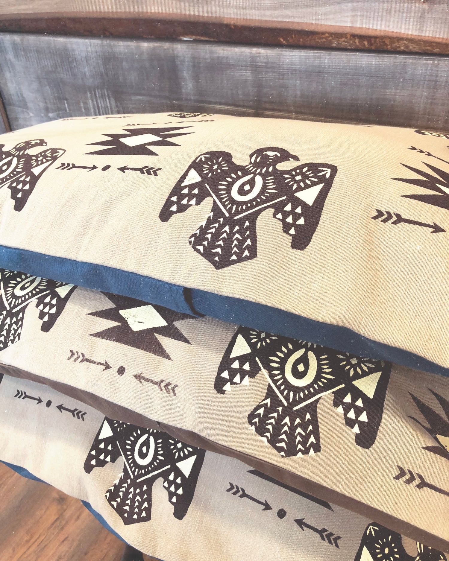 Image of THUNDERBIRD Housse de Coussin