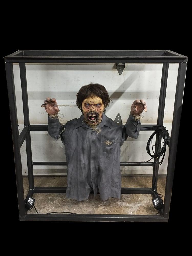 Image of Floor Thrasher Zombie