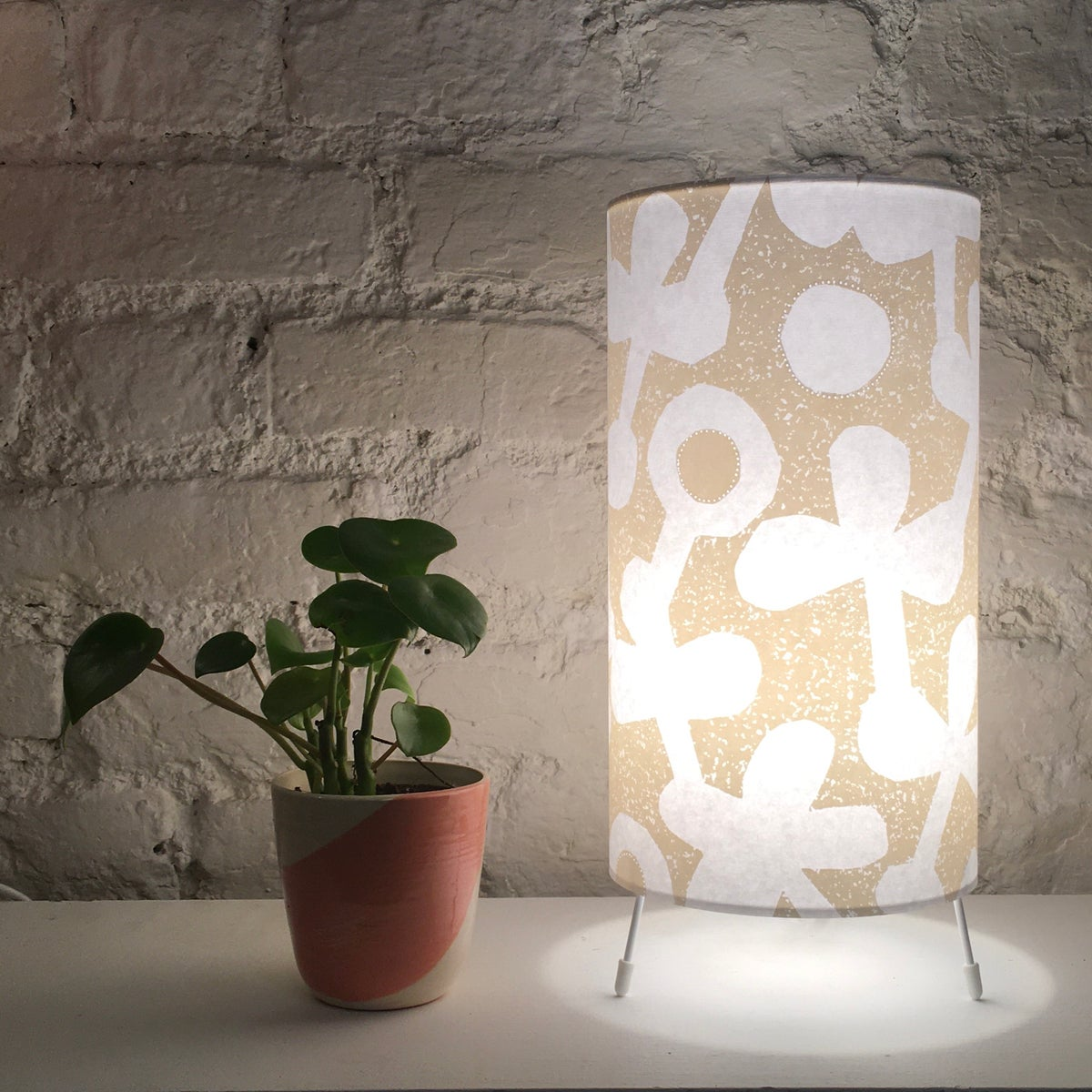 Image of Clover Print Table Lamp