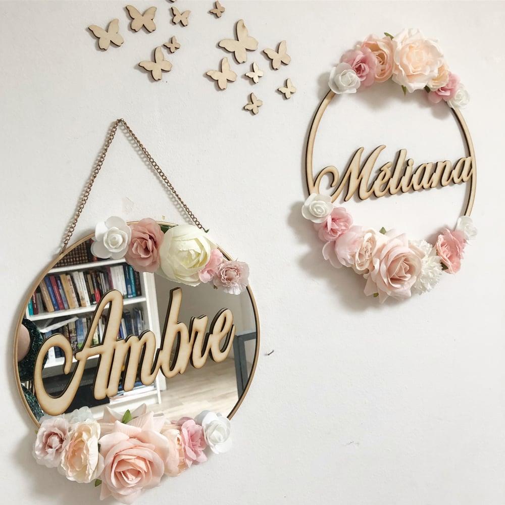 Image of Miroir fleuri 30cm avec prénom