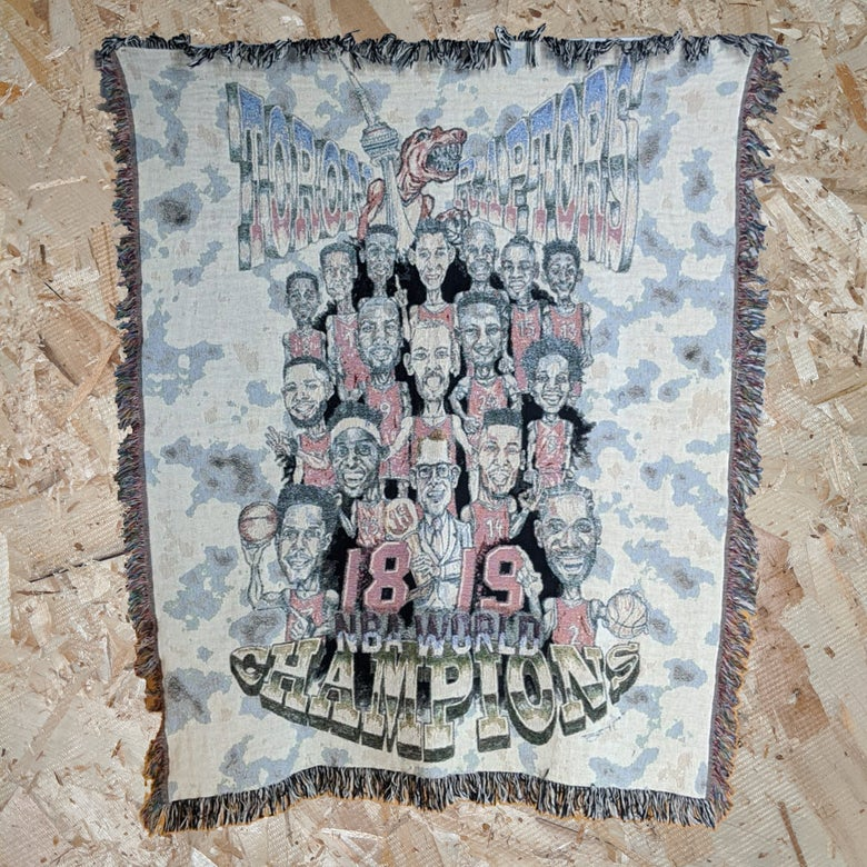 Image of Club Chismis x Leeloodles: The Raps Championship Retro Bigheads [Woven Blanket]