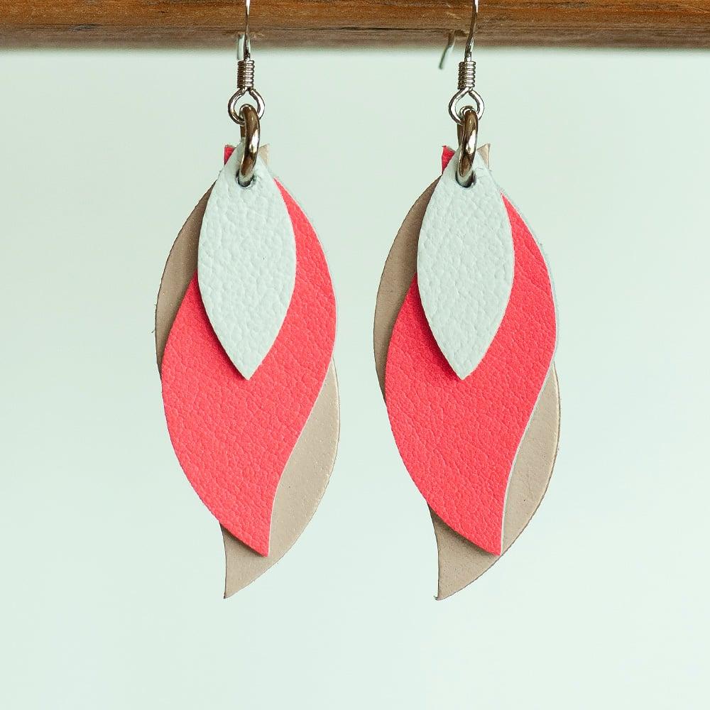 Image of Handmade Kangaroo leather leaf earrings - White, coral pink, white [LPK-146]